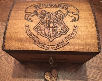 Music box. Lockable Harry Potter themed music box, perfect gift for Harry Potter fan. Hedwigs theme or Harrys wondrous world