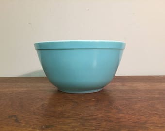 Pyrex Turquoise Mixing Bowl #402, 1.5 qt.