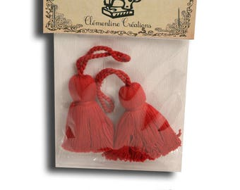 Two red tassels length 5 cm