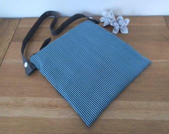 Waterproof pouch for pool printed striped green and white