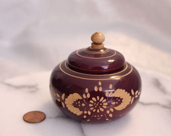 Vintage Round Carved Wood Trinket Box with Lid, Design on outside of box, Ring Box Gift Box