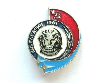 Cosmonaut, Badge, Yuri Gagarin, Space, Cosmos, Rare Soviet Vintage metal collectible pin, Made in USSR, 1960s
