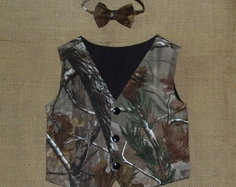 2 pc Boys and Men vest & bow tie set.Great for weddings.  #6 in fabric selection. Realtree Ap cotton fabric. 22 camo colors