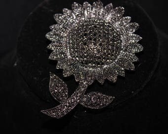 Vintage Marcasite Daisy - Signed