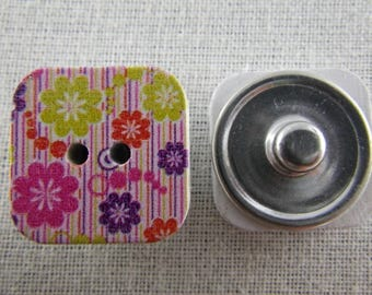 Snap button square wooden pink and green flowers and stripes