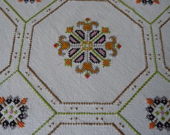"""Vintage Embroidered Table Cloth Orange Pink Green Cross Stitch Patterns 48"""" Sq."""