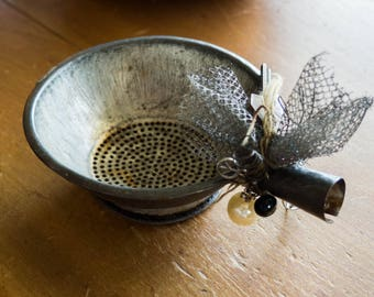 Upcycled Chotchkies, Colander with Beads and Lace