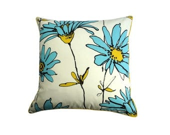 "Cushion double-sided, ""Daisy"" flowers"
