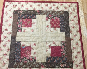 QuiltedTable Topper/Log Cabin/Red Brown Quilted Topper