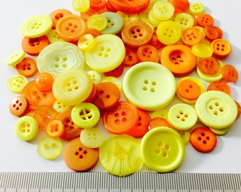 Mix of 100 buttons of various sizes (Ref.030316.2)