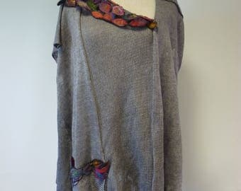 Artsy grey linne blouse with amazing felted decoration, XXL size. Only one sample.