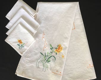 Hand Embroidered Card Table Square and Four Napkins Card Table Cover Vintage