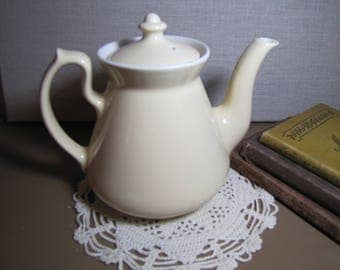 Hall Pottery - Pale Yellow Teapot
