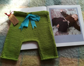 Baby Pants 1-3 months in pure green merino wool meadow with turquoise staple