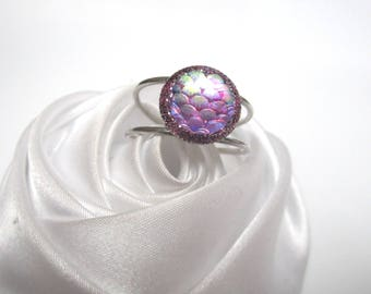Purple scales effect purple cabochon ring