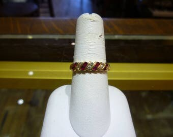 X38 Vintage 14K Yellow Gold with Rubies & Diamonds Ring, Size 8.