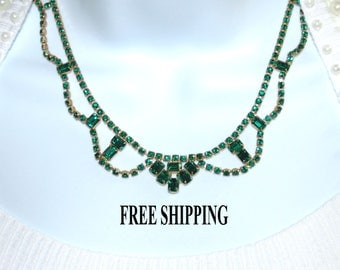 Green Rhinestone in gold tone setting,  16.5 inch Vintage Necklace