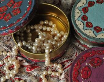 Oriental Tracery jewellery casket, Jewellery box, Round metal casket