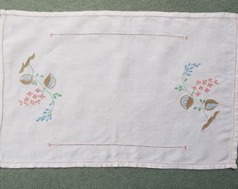 Vintage linen tea tray cloth. 1950s pretty English white linen tray cloth with embroidered pink and blue flowers. Perfect for a tea party