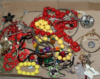 This listing is for a bunch of jewelry and jewelry pieces, This Lot is for Jewelry Makers, Arts and Crafts, Nice Price