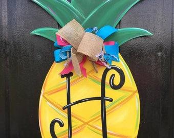 Pineapple Door Hanger-Welcome Yall-Welcome Sign-Front Door Decor-Front Door Sign-Southern Sign-Pineapple Sign-Hey Yall Sign-Southern decor