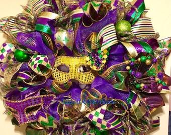 Mardi Gras Deco Mesh Wreath, Jester Mardi Gras Wreath, Coins Bead Feather Wreath, Fat Tuesday Decor, Whimsical Mardi Gras Wreath Double Mask