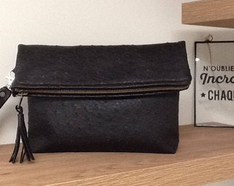Evening bag folded black ostrich zippered and magnetic, with removable wrist strap for women