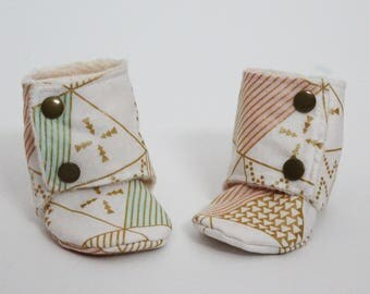 Baby stay-on booties, Cream, Blush Pink, Mint, Metallic gold triangles, Soft sole, Minky, Cotton, Toddler boots, Warm, Cozy, Shower gift