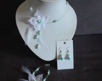 wedding bride ornament holiday evening ceremony 3 pieces white beads / turquoise blue silk feather flower