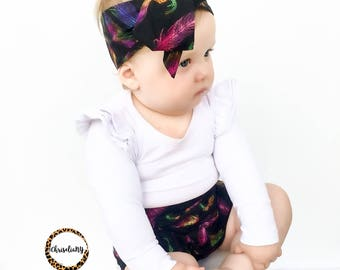 Feathers on Black headwrap, Baby Headwrap, Toddler Headwrap, Girls Headwrap, Big Bow Headwrap, Newborn Headwrap, Baby Turban Headwrap