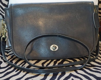 1980's Coach Laura Shoulder Bag with COACH and Laura Tag
