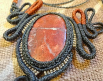 Macrame necklace with natural stone from Rhodochrosite