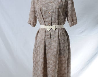 Vintage beige ruffle round neck button up midi dress in floral print