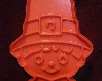 """Orange Boy PILGRIM HEAD COOKIE Cutter 4"""" Hallmark Cards Plastic Cookie Cutter Vintage 1970s Thanksgiving Treats, Holiday Baking, Craft 1113"""