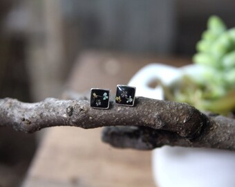 Small Square Queen Anne's Lace Black Studs