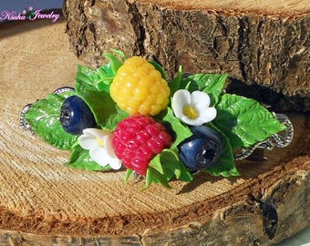 Cute barrette wild berries Little barrette raspberry blueberry Summer barrette with berries Polymer clay raspberry Yellow red raspberry