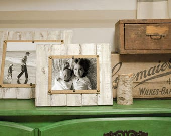 Pallet Picture Frame, Reclaimed Wood Frame, 4x6, 5x7, 8x10, Distressed Frame, Whitewash picture frame, Driftwood Frame, Beach Frame