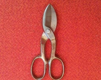 "Vintage Metal Cutting Shears Tin Snips ""Worth"" 7"" Lightweight Small Pocket Shears Scissors"