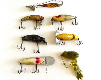 vintage lot of fishing lures fishing tackle collectible fishing lures wood lures