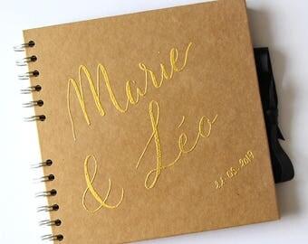Livre d'Or kraft personnalisé prénoms en calligraphie embossing doré | Mariage champêtre et original | Guest book personnalisé