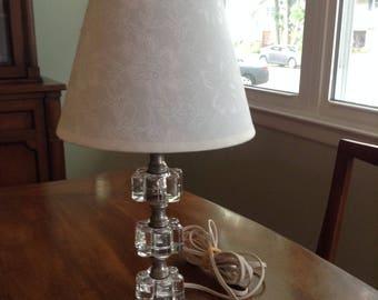 Mid-Century Flower Bedroom Lamp