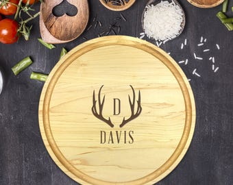 Personalized Cutting Board Round, Cutting Board Personalized, Wedding Gift, Housewarming Gift, Anniversary Gift, Initial, Antler, B-0047