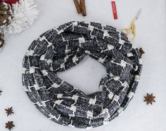Cowl scarf / Infinity scarf / Houndstooth cowl in black and white / Winter accessory / Knit fabric cowl scarf / Gift idea infitity scarf