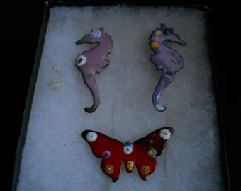 Vintage Pin Brooches #682