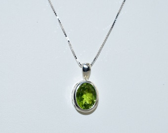 10 mm x 8 mm Bezel Set Natural Peridot and Sterling Silver Necklace, 18 inch