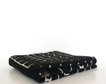 Mudcloth throw | Mud Black mudcloth blanket | Mudcloth tapestry | African mudcloth | Mudcloth table cover | Authentic bogolan fabric
