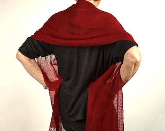 Summer handwoven shawl, linen and silk, red. Handwoven red pashmina, in linen and silk. Bridal silky red shawl. Large summer red scarf.