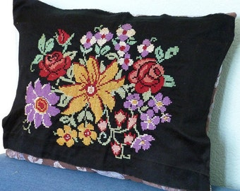 RARE Ukrainian Vintage Embroidery Flowers Perfect for Pillow Case 1958 Excellent Cross Stitch Picture Tapestry Old Gobelin Needlepoint Rose