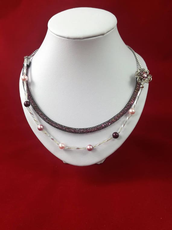 necklace with a filigree flower, swarovski pearls  and fishnet chain necklace