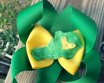 Loopy Kentucky bow (John Deere colors.)